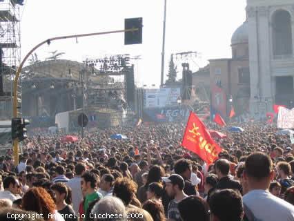 concerto, 2005, 1 maggio, festa, lavoratori, auguri, palco, piazza, folla