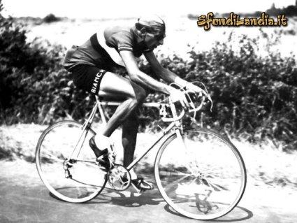 campione, tour de france, giro d'italia, sanremo, sfide, storiche, bartali, borraccia, scambio, bianchi, bicicletta, salita, salite, cima