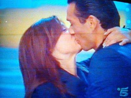 buona, domenica, tutte le mattine, in onda, bacio, serali, sera, amore, sentimento, vero