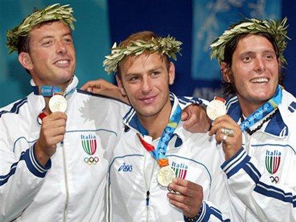 cartolina sciabola, podio, Secondi, prima francia, risultato 45 a 42, finale