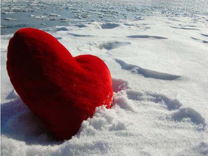 cartoline amore, cartolina cuore, amore nel cuore, neve fresca, calore inverno