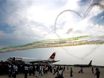 frecce tricolore, omaggio festa ritorno azzurri germania, 2006, coppa mondiale, vittoria, rigori, berlino, 09 luglio 2006, data storica, 4 volte cam