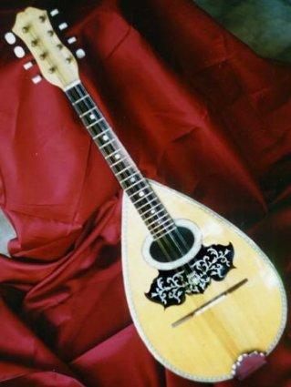 italiano, spaghetti, mandolino, mandolini, napoli, napoletano, storico, rumore, suono, leggero, stornelli, canzoni, cassa, risonanza