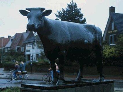 rappresentazione, mucca, piombo, fuso, statua, simbolo, significato, significante, valore, cibo, latte