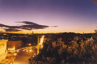 roma, città, eterna, caput mundi, storica, dominazione, dominare, notte, romana, ottobrate, romane, romanaccio, luci, fari, lampioni
