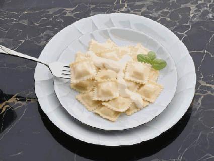 ravioli, panna, ripieno, pasta, uovo, condimento, basilico, burro, salvia, quadrati, semi luna, cottura