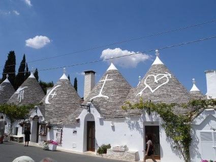 bari, trulli, case, pietre, amore, bianco, sole, simboli, tetti, collina, unesco