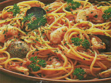cozze, vongole, pomodoro, spaghetti, gamberi, crostacei, tonno